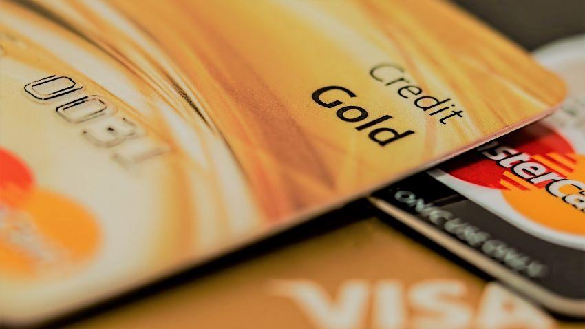 carte bancaire - vérifier la date d'expiration avant voyage