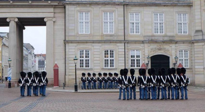 Amalienborg Slot - la relève de la garde