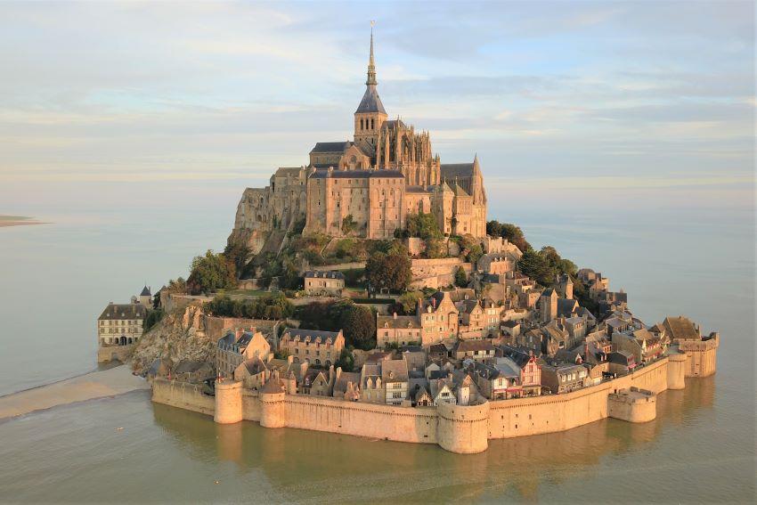 saut en parachute Bretagne - Le Mont-Saint-Michel