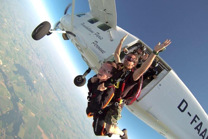 saut en parachute Paris - aérodrome de Péronne
