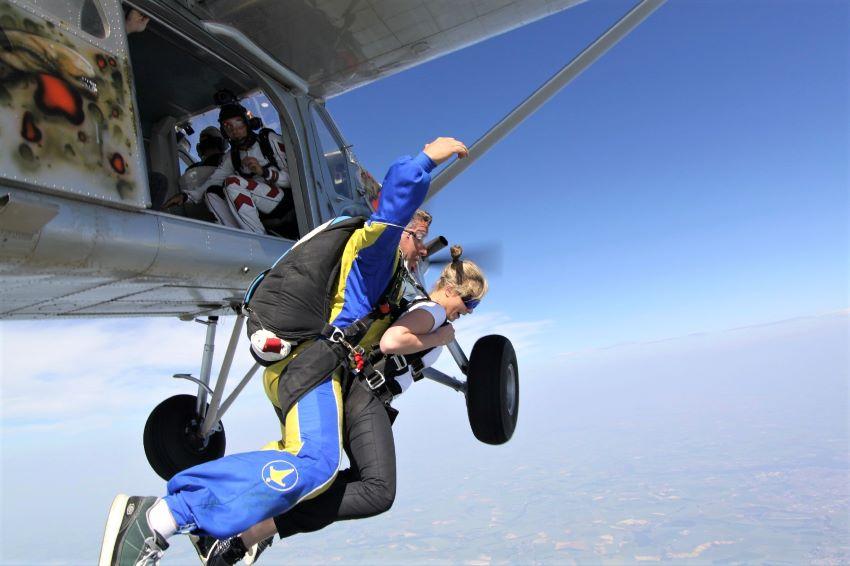 saut en parachute baptême Paris