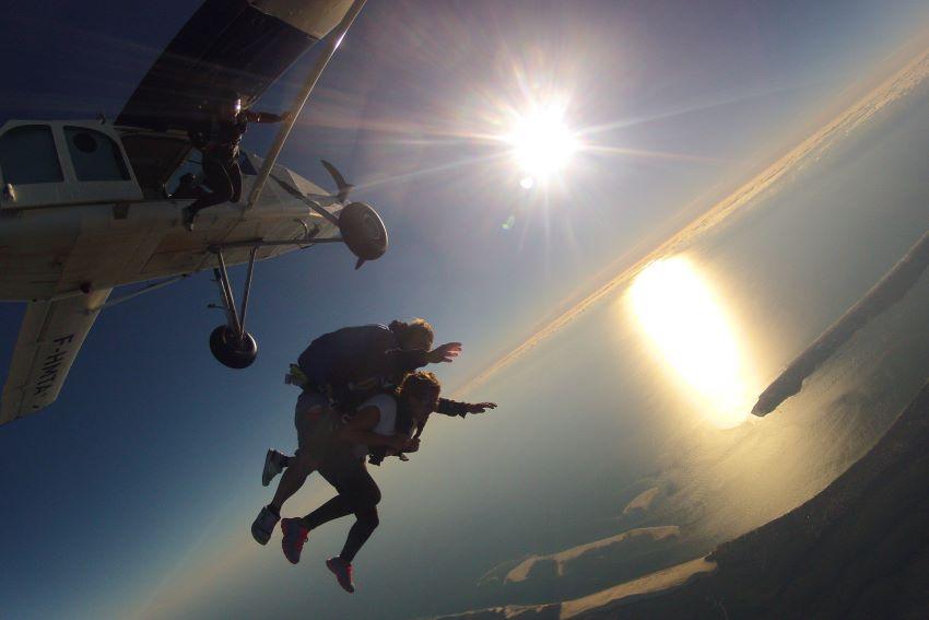 saut en parachute dans le bassin d'Arcachon