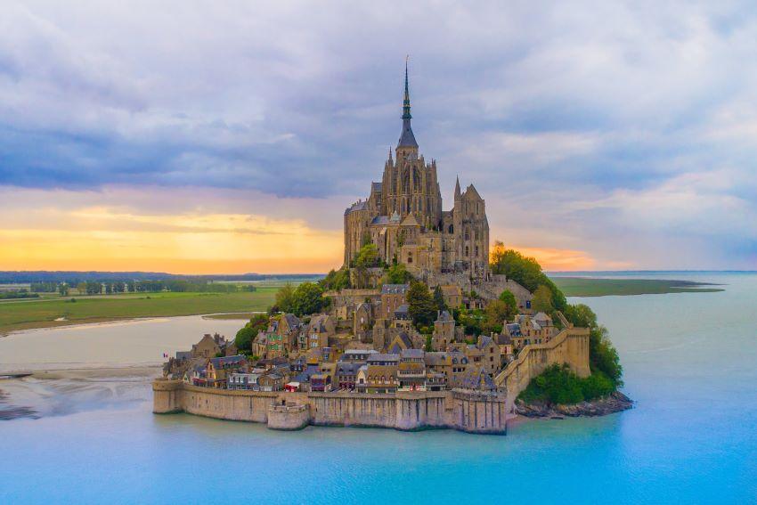 Le Mont-Saint-Michel - saut en parachute pas cher