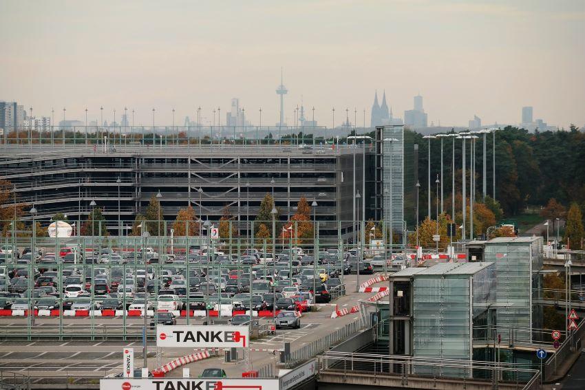 faire des économies - parking des aéroports
