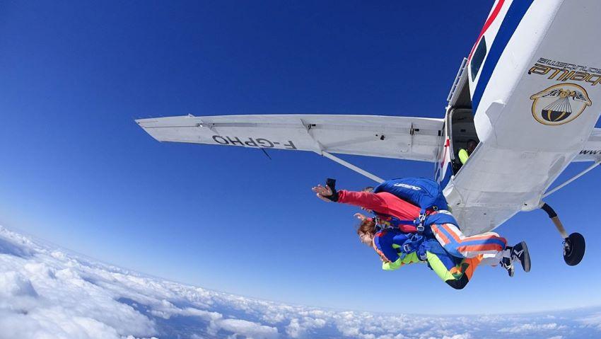 saut en parachute - chute libre 400 mètres