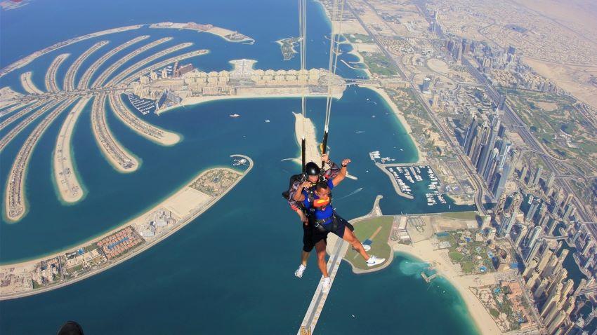 saut en tandem Skydive Dubaï